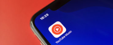 1586169923 YouTube Music now allows you to view song lyrics in