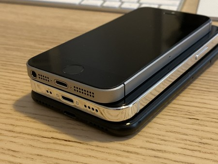 Iphone 12 5 4 Inches 006