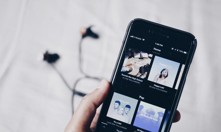 Spotify starts to activate lyrics in real time in 26