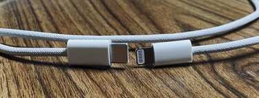 The Lightning Twisted Cable is back: a leaker filters out photos of the cable that will come with the iPhone 12