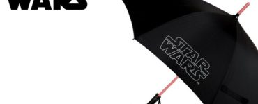 1603421776 This Star Wars umbrella with light combines the geek with