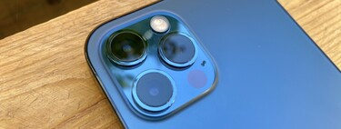 This is what the iPhone 12 Pro looks like in Pacific blue: the new color of this generation