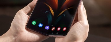 Samsung, its new Galaxy Z Fold 2 and the perhaps hasty declaration of the end of flat-panel mobiles
