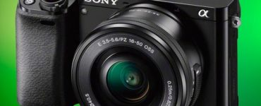 1609760627 In black or silver you can brand new mirrorless camera
