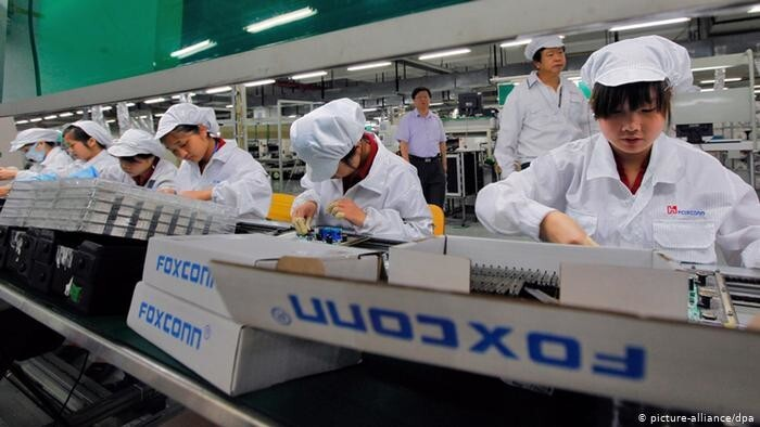 vendors speed up iPhone 13 production