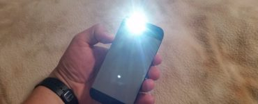 Can the flashlight on the iPhone burn out?