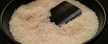 Does putting phone in rice work?
