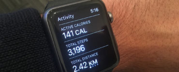 Does shaking iPhone count steps?