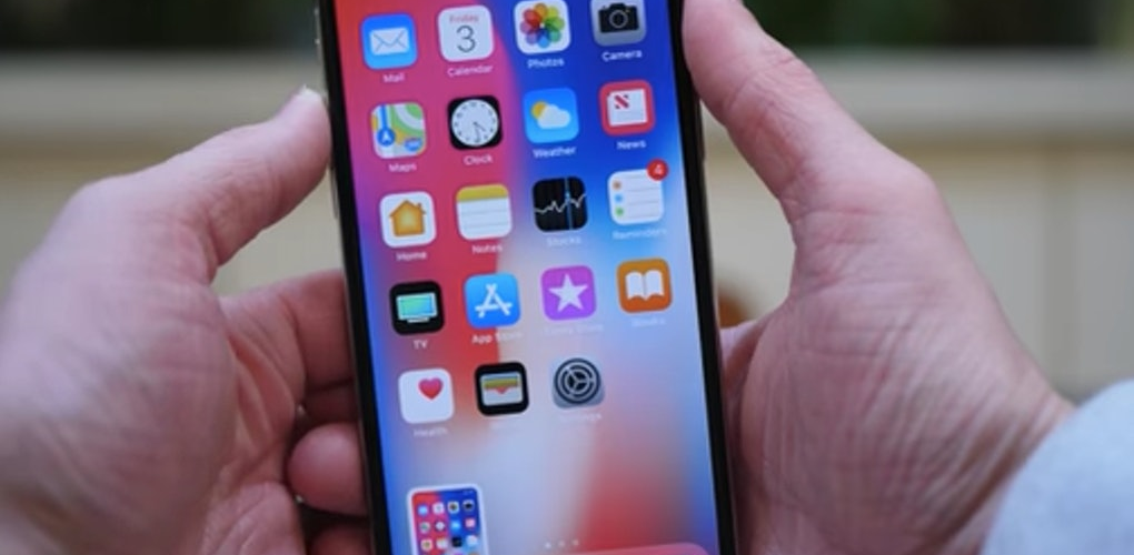 How do you screenshot on iPhone without home button?