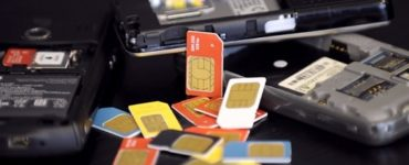 How much is the gold on a SIM card worth?
