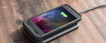 What was the first iPhone to support wireless charging?
