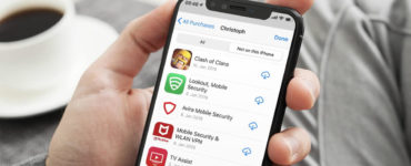 Which apps Cannot be deleted from iPhone?