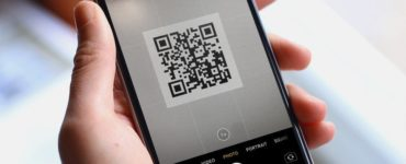Which iPhones have built in QR?
